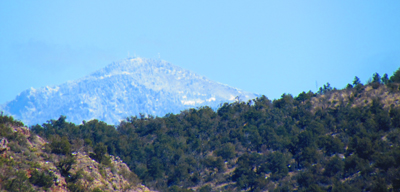 I could see the San Fransisco Peaks (Flagstaff) above the surrounding mesas.